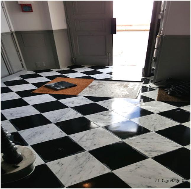 Pose Carrelage Galerie Photos Carrelage Var - Carrelage cuisine et tapis de sol pour hall d entrée