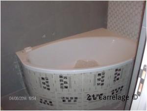 Tablier Baignoire Mosaïque. Pose d'un tablier de baignoire en carreaux de mosaïque.